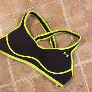 Under Armour sports bra size women's 34A